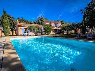 Villa de vacaciones de lujo en Mazan, Vaucluse, con piscina climatizada