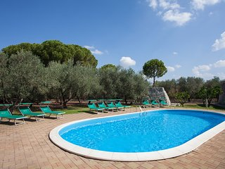 Villa with pool in the Salento countryside m340
