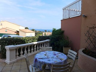 1 bedroom Apartment with WiFi and Walk to Beach & Shops - 5335149