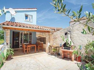 2 bedroom Villa in Mutvoran, Istria, Croatia : ref 5520358