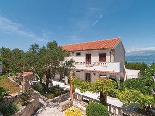 1 bedroom Apartment in Splitska, Splitsko-Dalmatinska Zupanija, Croatia : ref 56