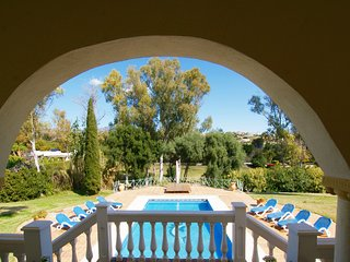 FABULOUS 5 BED 5 BATH SECLUDED VILLA WITH PRIVATE POOL & GARDEN. BEACH 5 MINS