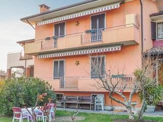 3 bedroom Apartment in Cavaion Veronese, Veneto, Italy : ref 5689158