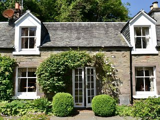 Glen Cottage, traditional holiday home in Comrie