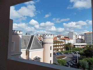 Biarritz 200m Grand Plage 4/5 personnes appartement rénové avec wifi gratuit.