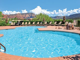1 BDRM CONDO~ RIDGE ON SEDONA~ GREAT VIEWS~ HEATED POOLS~ OUTDOOR HOT TUBS &MORE