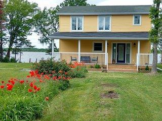 Cedar Woods - Waterfront Home