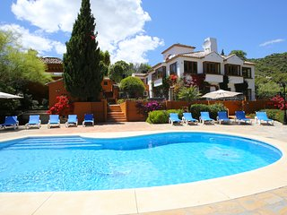 6 bed beautiful villa. Large gardens, pool and jacuzzi around impressive nature