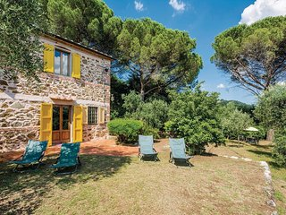 2 bedroom Villa in Le Molina, Tuscany, Italy : ref 5540471
