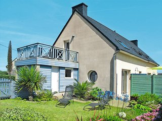 3 bedroom Villa in Kerlouan, Brittany, France : ref 5438166