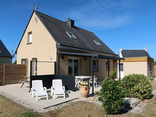 1 bedroom Villa in Santec, Brittany, France : ref 5438402