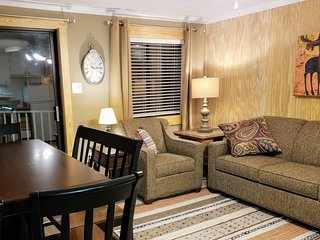 ML168 2BR/2BA Ski In/Out Renovated Wi-Fi Village Parking 1ST FLOOR!