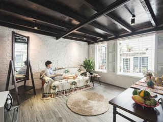 Satori Homestay - Cozy loft for 4 pax in Old Town