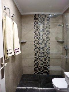 Ensuite bathroom of main bedroom, recently renovated.