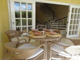 Beautiful Beach Townhouse, private pool, 2Bedrooms