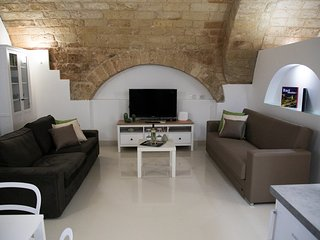 Ta Maison  stone living experience