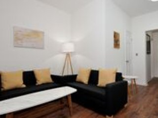 (9143) 5 Bedroom / 2 Bathroom Apartment at NYC