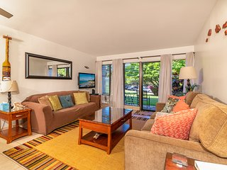 Contemporary Tropical Condo 45 seconds from Kamaole II Beach