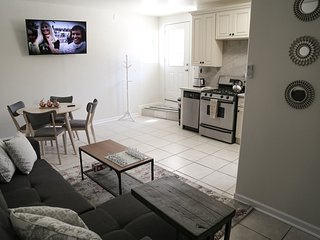 Newly Remodeled Home--Short Drive to Everything LA