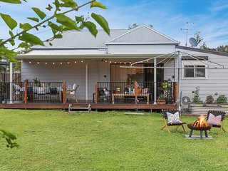 Flamingo House - Your Hunter Valley country home
