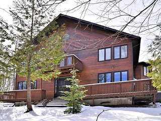 Chalet with Ski In Ski Out Access to Sir Sam's Ski and Ride Resort