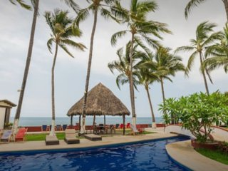 LULY 2  NICE 2 BEDROOMS 2 BATHROOMS APARTMENT In a Complex beachfront