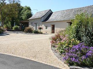Gite la chevalerie rural avec piscine en Anjou