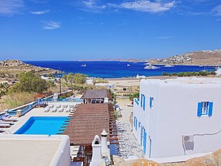 Maganos Dodeca:Traditional one bedroom apt, for 2 persons, enjoys a shared
