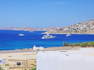 Maganos DekaEnnea: Traditional one bedroom apt, for 2 persons, enjoys a shared