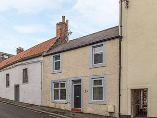CHURCH STREET COTTAGE, WiFi, pet-friendly, in Wooler