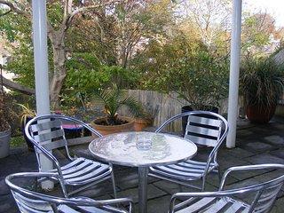 Superb Garden Apartment
