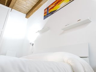 Alla Corte Accommodations: Cassandra, modern and nice studio in the old town