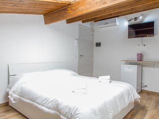 Alla Corte Accommodations: Donata, double room in the old town