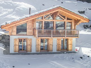 Chalet Gentiane - Gorgeous chalet with gorgeous views and 15% skipass discount!