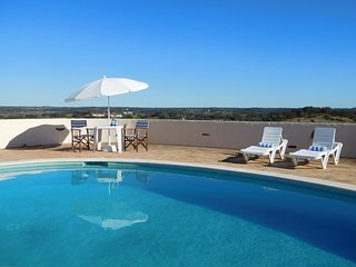 RELAXING HOLIDAY VILLA - PANORAMIC RURAL ALENTEJO VIEWS - POOL, BIKES, PING PONG