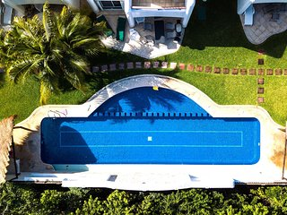 Luxurios villa 10 minutes away from the 5th Avenue Playa