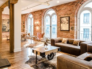 Grand Loft in Historical Old Montreal District