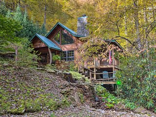NEW! Storybook Bryson City Cabin on Stream-Hot Tub