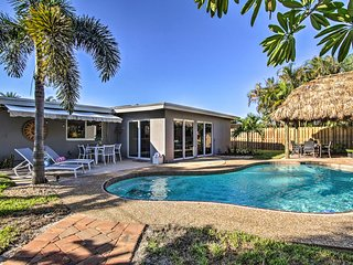 NEW Palm Paradise Home w/Private Pool & Tiki Hut!