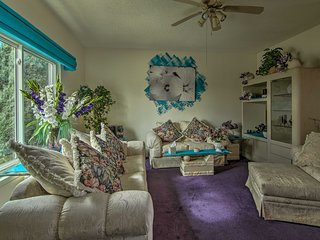 Colo Springs Home, 5 Mins to Cheyenne Mtn & DT!