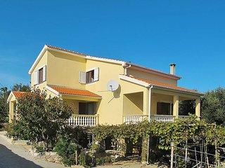 4 bedroom Apartment in Maslenica, Zadarska Županija, Croatia - 5437376