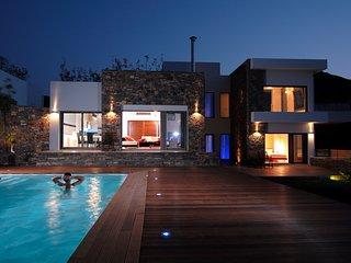 Villa Elounda Black