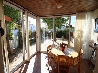 Joli pavillon T2 mezzanine, 4 personnes dans residence de vacances La Tranche su