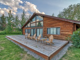 Gorgeous Teton Cabin-Only 15 minutes away from Grand Targhee skiing!!