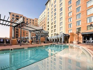 National Harbor Condo w/ WiFi, Resort Pool & Free Shuttle to D.C.