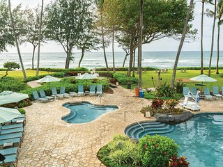 Kauai, 2BR: FREE WiFi, Oceanfront Resort, Pool, Spa, Near Coconut Marketplace
