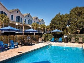 Spacious Villa w/ 3 Resort Pools, Resort Hot Tub & More!