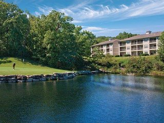 Family-Friendly Condo w/ Resort Pool, Nearby Water Park, State Park & Golf