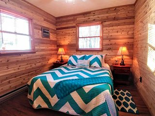 BEAR WITH US CABIN WITH 180 degrees GREAT SMOKY MOUNTAINS VIEWS