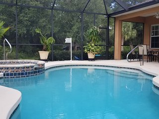Beautiful Spacious 3BR+Den Pool & spa 2400 SQ Ft